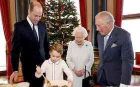 4 thế hệ Hoàng gia Anh tề tựu trong cùng một bức ảnh, Hoàng tử bé Geogre vẫn chiếm spotlight vì vẻ ngoài vừa chững chạc vừa đáng yêu