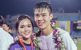 """Duy Mạnh sang Trung Quốc thi đấu, Quỳnh Anh ở nhà lo nội trợ đúng chuẩn """"bạn gái nhà người ta"""""""