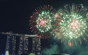Khắp Châu Á chào đón Tết Nguyên Đán: Pháo hoa rực sáng ở Trung Quốc, Singapore vào khoảnh khắc giao thừa