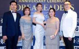 Nhã Phương rạng rỡ mừng sinh nhật viện thẩm mỹ Korea Leaders cùng đối tác chiến lược Tâm Beauty Clinic