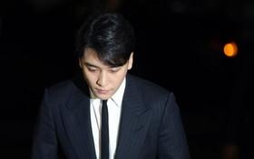 """Bị phát hiện vẫn còn bán vật phẩm của Seungri, YG vội làm việc này để chứng tỏ đã """"ân đoạn nghĩa tuyệt""""?"""