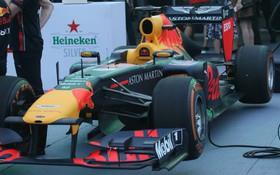 """Trực tiếp sự kiện """"Khởi động F1 Việt Nam Grand Prix"""" tại Hà Nội: Siêu xe F1 xuất hiện tại Mỹ Đình"""