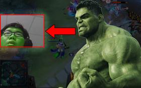 """""""Biến"""" hậu Endgame: Hú hồn với streamer Việt cosplay Hulk xanh lè xanh lét khiến ai cũng giật mình"""