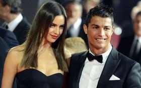 """Sau 4 năm mặn nồng với Ronaldo, siêu mẫu xinh đẹp người Nga cay đắng bóc phốt: """"Anh ta không phải đàn ông, chỉ giỏi bám váy mẹ"""""""