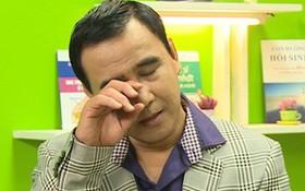 Bị trách chảnh chọe, tham tiền, Quyền Linh gần như khóc tuyên bố: Muốn dừng mọi hoạt động trong showbiz!