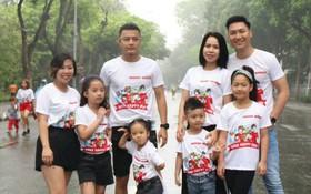 """Gia đình diễn viên Mạnh Trường, Hồng Đăng hào hứng tham gia giải chạy """"Apax Happy Run - Đường chạy hạnh phúc"""""""