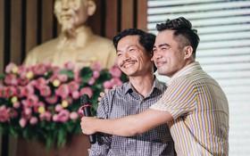 """Chuyện tình """"đam mỹ"""" nóng nhất đêm nay: NSƯT Trung Anh và Trọng Hùng từ bố chồng - con rể trở thành... cặp đôi?"""