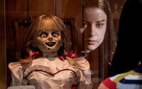 """Hội đam mê soi tình tiết ẩn ra đếm xem có bao nhiêu điểm đặc biệt trong """"Annabelle: Ác Quỷ Trở Về"""" này các cháu ơi?"""