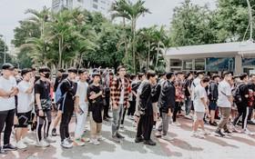"""Mặc kệ nắng nóng, hàng ngàn bạn trẻ Sài Gòn vẫn """"rồng rắn"""" xếp hàng để tham dự ngày hội sneaker lớn nhất trong năm"""