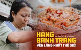 """""""Hôm nay trời thật đẹp, nhưng tôi không thể nói và nghe"""" - câu chuyện cảm động của hàng bánh tráng giữa lòng Sài Gòn"""
