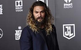 """Phim truyền hình đầu tiên do Apple sản xuất, với """"Aquaman"""" diễn vai chính, xem trailer đã thấy muốn mua"""