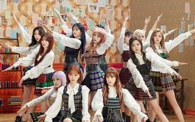 """IZ*ONE sau 24 giờ tái xuất: Lọt top """"khủng long"""" bán đĩa cùng BTS, EXO và phá vỡ kỉ lục 4 năm của TWICE; thành tích nhạc số đập tan tin đồn tẩy chay"""