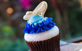 Đắm chìm trong thế giới của Lọ Lem với loạt bánh ngọt được bày bán ở các công viên Disney, nhìn cưng muốn xỉu khiến dân tình cứ ngắm hoài chứ chẳng nỡ ăn