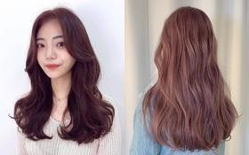 """Đang không biết nhuộm tóc màu gì cho xinh thì bạn cứ triển ngay tông nâu hồng """"hot hit"""" lại tôn da này"""