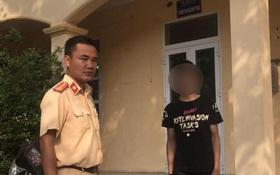 Hà Nội: Khoe bốc đầu xe lên Facebook bị người dân báo công an, nam thanh niên phải nộp hơn 4 triệu tiền phạt