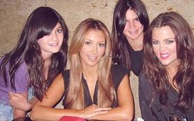 """Kim Kardashian tung ảnh """"hại"""" hội chị em: Bóc nhan sắc nghi """"dao kéo"""" của Kylie - Kendall, đúng kiểu ai đăng người đấy đẹp!"""