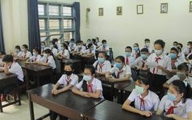 TP.HCM: 1 phụ huynh đi trên chuyến bay VN213, gần 100 học sinh, giáo viên THPT Bùi Thị Xuân nghỉ học