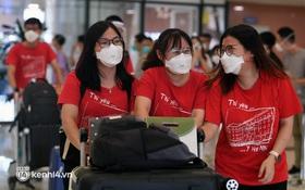 Lực lượng y tế đã về đến Hà Nội sau nhiều tháng hỗ trợ miền Nam chống dịch, những dòng nhật ký kín đặc áo khiến bao người xúc động