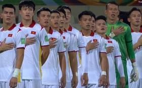 """Netizen Việt """"bình loạn"""" sau trận thua trước ĐT Trung Quốc: Người an ủi động viên, người chỉ trích từ cầu thủ đến thủ môn, người lo xa tới trận mùng 1 Tết luôn rồi"""