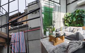 Cô nàng biến sân thượng cũ nát thành duplex 2 tầng sang xịn mịn, thiết kế bồn tắm lộ thiên cực bạo