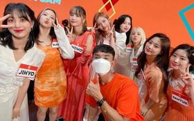 """Du học sinh Việt kể chuyện làm việc chung với TWICE: Ngắm trực diện nhan sắc """"xỉu up xỉu down"""", còn được bày trò trêu chọc"""