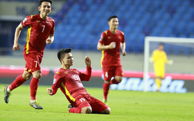 """Netizen Trung trầm trồ trước màn thể hiện của Quang Hải, lo lắng cho đội nhà: """"Chúng ta sẽ thua Việt Nam mất"""""""