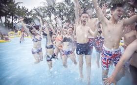 """Trào lưu mặc bikini chụp ảnh kỷ yếu """"cực hot"""" của teen cuối cấp Hà Thành"""