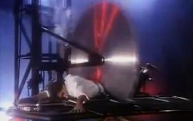 """Giải mã bí ẩn màn ảo thuật """"cưa người"""" kinh điển của David Copperfield"""