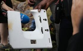 Tìm thấy thêm khung cửa sổ máy bay trên đảo Reunion