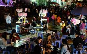 Càng về cuối tuần, lượng người đổ về lễ hội hoa tam giác mạch càng đông