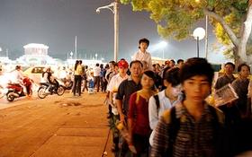 Toàn cảnh hàng trăm nghìn người đến viếng Đại tướng trong ngày cuối cùng