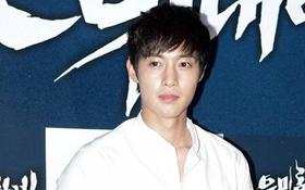 Bạn gái cũ Kim Hyun Joong tung bằng chứng bị hành hung