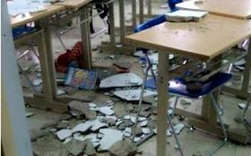 Trần nhà Trường Đại học Hà Nội đổ sập, 1 nữ sinh bất tỉnh