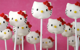 Kẹo mút nhân bánh hình Hello Kitty cực dễ thương