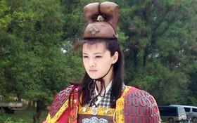 """""""Nàng Cỏ"""" xứ Trung gây sốc với tạo hình nam-chiến-binh"""
