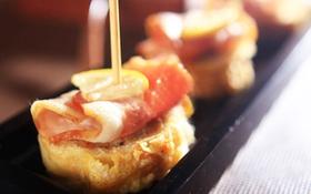 Ngô ngọt + pho mát + bột mì = bánh ăn sáng ấm áp
