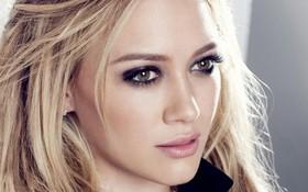"""Hilary Duff """"khởi động"""" album trở lại sau 5 năm vắng bóng"""