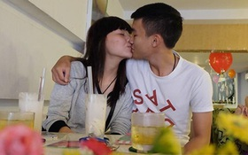"""Quán ăn khuyến mãi """"kỳ lạ"""", người Sài Gòn ùn ùn kéo đến... hôn nhau"""