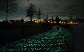 Mê mẩn với con đường phát sáng đẹp ngất ngây tại Hà Lan