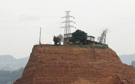 """Chiêm ngưỡng ngôi nhà """"kiên cố"""" nhất Trung Quốc"""