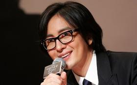 Bae Yong Joon hẹn hò với bồ trẻ kém 14 tuổi