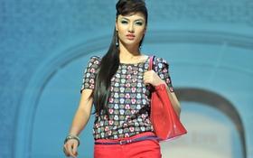 Hồng Quế trẻ trung với thời trang Eva de Eva