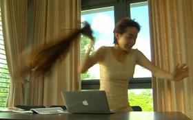 Đông Dương (Minh Hằng) giật phăng tóc giả để chạy thoát thân
