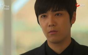 Kang Joo (Lee Hong Ki) lạnh lùng ném tiền vào người yêu