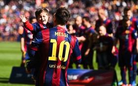 Messi sắp đón quý tử thứ hai, hoãn cưới người đẹp Roccuzzo
