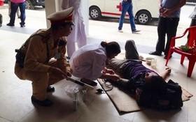 CSGT cứu sống một thanh niên ngất vì đói ở đường cao tốc