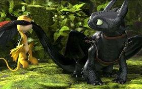 """Răng Sún (Bí Kíp Luyện Rồng 2) bị đồng bọn nhí """"xử đẹp"""" cái đuôi"""