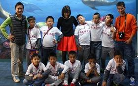 Hồng Sơn, Ngọc Châm đưa cầu thủ tí hon sang Hàn Quốc thi đấu