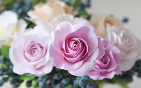 Cách làm hoa hồng bằng đất sét tỉ mỉ y như hoa thật