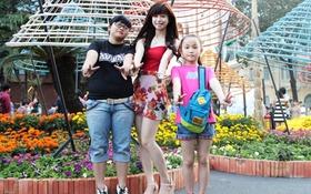 Hot girl Taekwondo Châu Tuyết Vân nhí nhảnh đón Tết cùng 2 em gái